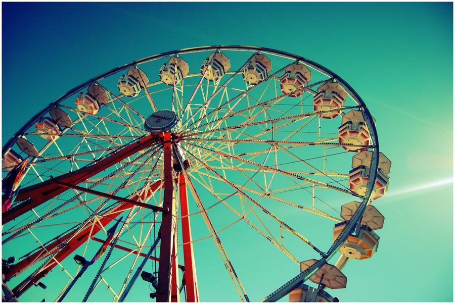 ferris_wheel_by_squishy_1.jpg.6516c295dda66381ea5e8523c41f809f.jpg