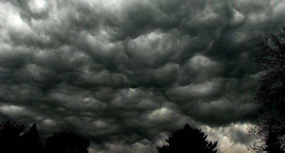Storm_clouds.thumb.jpg.76ff1bd21f036613514279ee9af47471.jpg