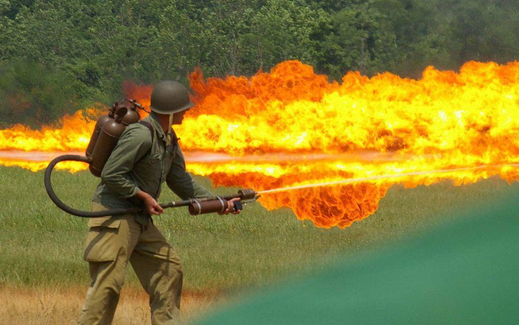 flamethrower.jpg.af506b69e637392528619fe971be4616.jpg