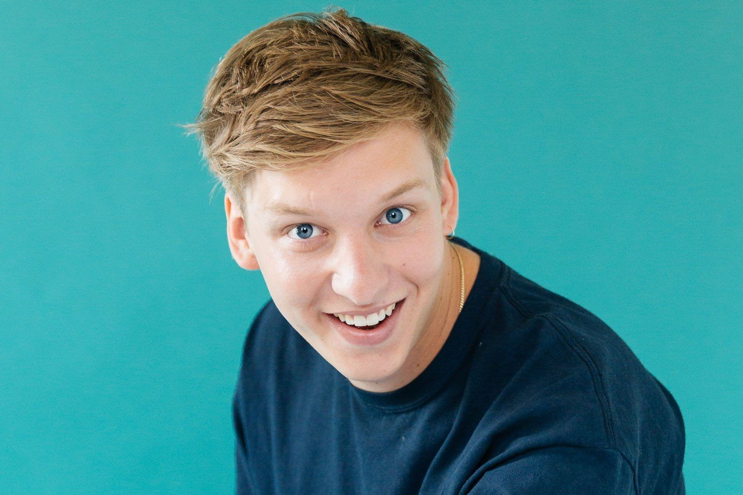 George-Ezra-Phil-Smithies-Dork-September-2017-ORIGINAL-SHOT-NOT-FOR-REUSE-ELSEWHERE-20.jpg